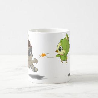 Caractère drôle d'anime de bande dessinée d'oiseau mug magic