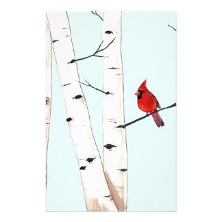 Cardinal avec des arbres de bouleau papeterie