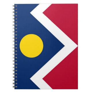 Carnet avec le drapeau de la ville de Denver, état