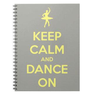 Carnet Gardez le calme et dansez sur le gris sur le jaune