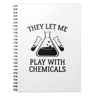 Carnet Jeu avec des produits chimiques