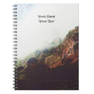 Carnet Montagnes brumeuses, scène de détente de paysage
