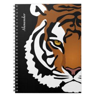 Carnet Tigre, chat sauvage sur le noir