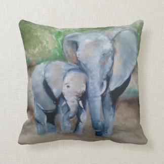 Carreau d'éléphant de maman et de bébé coussin décoratif
