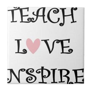 Carreau enseignez l'amour inspirent