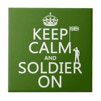 Carreau Gardez le calme et le soldat sur (drapeau