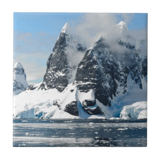 Carreau icebergs de glace de montagnes