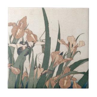 Carreau Iris et sauterelle par Katsushika Hokusai