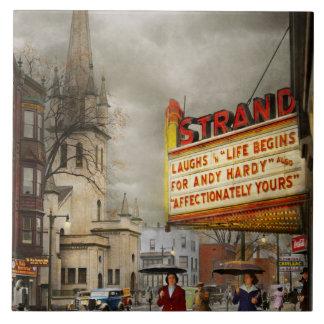 Carreau La ville - Amsterdam NY - la vie commence 1941