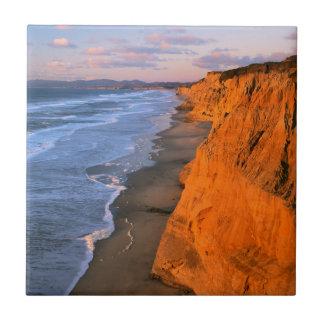 Carreau Les Etats-Unis, la Californie, falaises à la plage