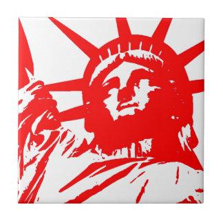Carreau Madame rouge et blanche Liberty d'art de bruit