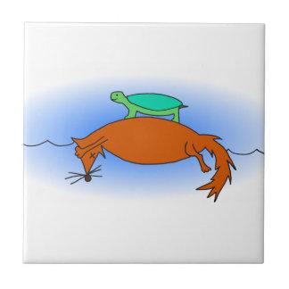 Carreau Terrapin flottant sur un renard