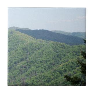Carreau Tuile fumeuse 1 de trépied de montagnes