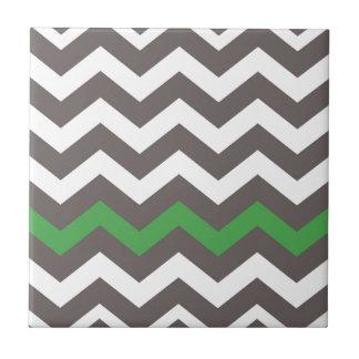 Carreau Zigzag gris avec le vert barré