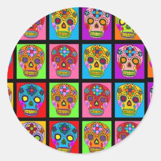 Carrés multicolores de crâne de sucre sticker rond