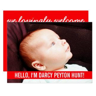 Carte Annonces rouges de naissance de bébé de photo