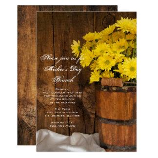 Carte Brunch en bois du jour de mère de marguerites de