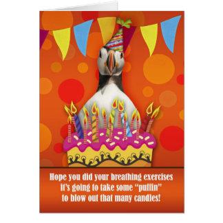 Carte d'anniversaire de macareux d'amusement avec