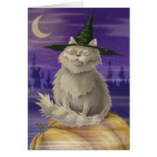 Carte de Halloween avec le grand chat suffisant de