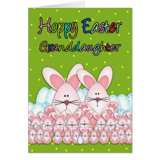 Carte de Pâques de petite-fille avec des lapins de