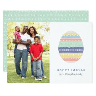 Carte de Pâques posée d'oeufs - indigo