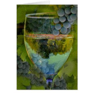 Carte de vin de joyeux anniversaire d'acclamations