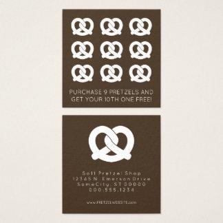 Carte De Visite Carré couleur de timbre de fidélité de bretzels mous