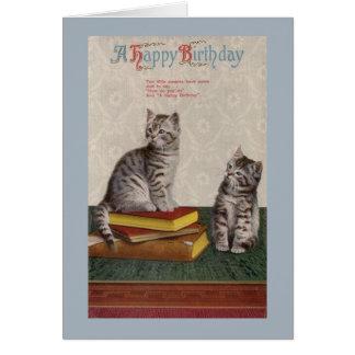 Carte de voeux vintage d'anniversaire de chats