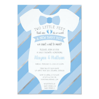 Carte Deux petits pieds d'invitation de baby shower,