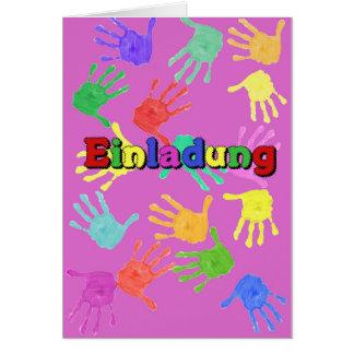 Carte d'invitation pour les enfants de mains rose