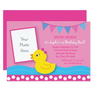 Carte Ęr anniversaire de canard en caoutchouc rose