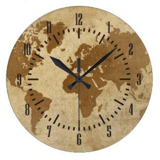 Carte fanée du monde de parchemin horloges