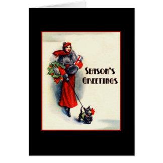 Carte Femme dans des achats rouges de manteau avec