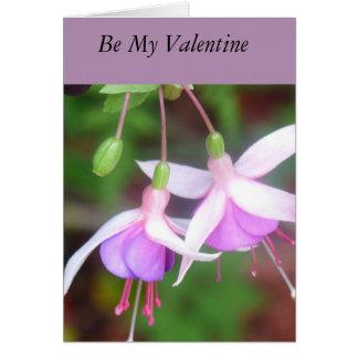 Carte fuchsia de Valentine de deux fleurs