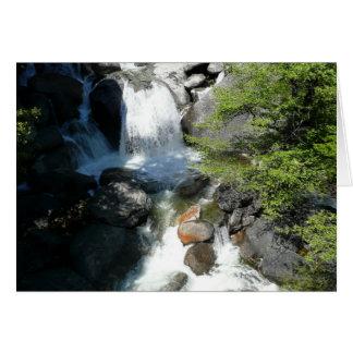 Carte La cascade tombe au parc national de Yosemite