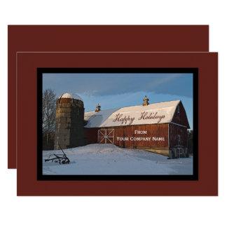 Carte La neige a couvert des affaires rouges de grange