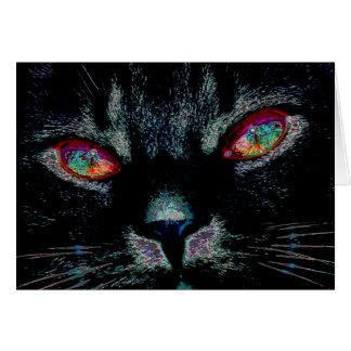 Carte Le chat noir de Halloween avec le feu observe la