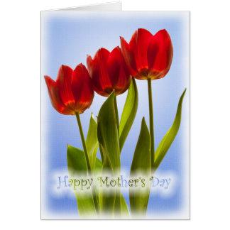 Carte Le jour de mère heureux - trois tulipes rouges