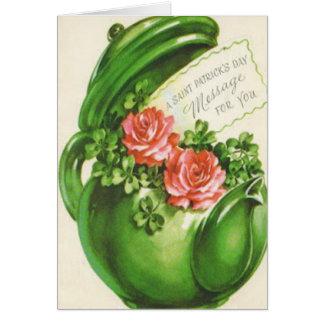 Carte Le jour de St Patrick rose de shamrock de théière