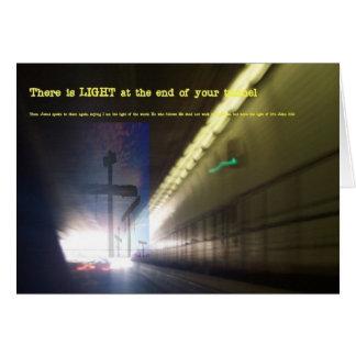 Carte Lumière à l'extrémité du tunnel