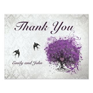 Carte Merci vintage d'oiseaux d'arbre d'aubergine de