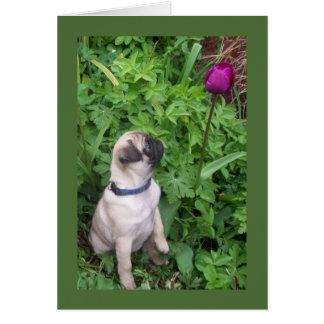 Carte mignonne de chiot et de tulipe de carlin