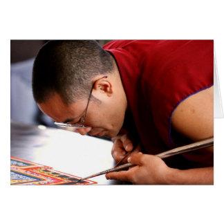 Carte Moine bouddhiste créant le mandala
