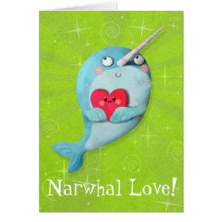 Carte Narwhal mignon avec le coeur