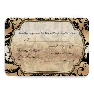 Carte Noir sur des remous de damassé d'or épousant RSVP