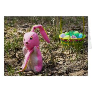 Carte Oreille perdue de lapin de Pâques, tombant en