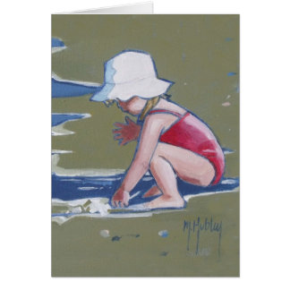 Carte Petite fille avec le casquette sur la plage avec