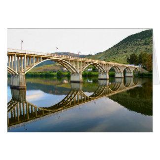 Carte Pont en route au-dessus de la rivière Douro