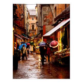 Carte Postale Achat sous la pluie