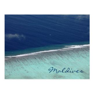 Carte postale aérienne de récif coralien des